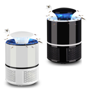 Praktická LED lampa na hmyz