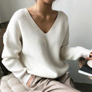 Dámský nadčasový svetr s výstřihem Glorie - kolekce 2020