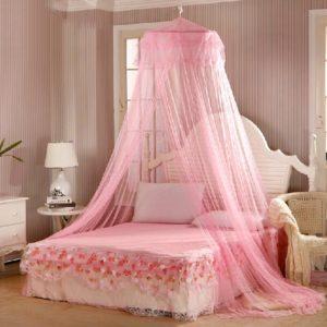 Nádherné nebesa nad postel Nelly