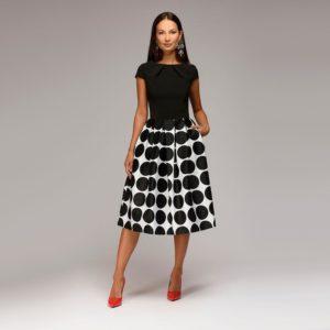 Dámské stylové šaty s puntíky