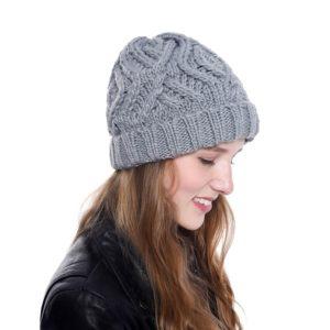 Dámská luxusní pletená zimní čepice Lacie