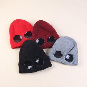 Zimní unisex čepice kombinovaná s brýlemi