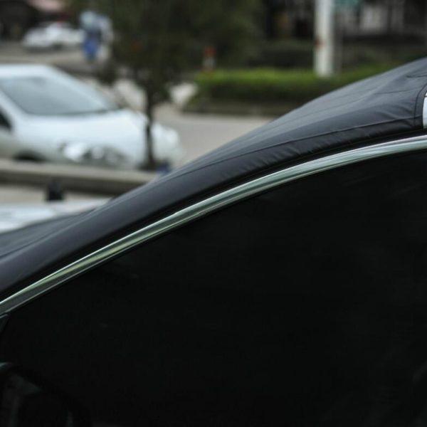Magnetická clona na auto proti mrazu a slunci