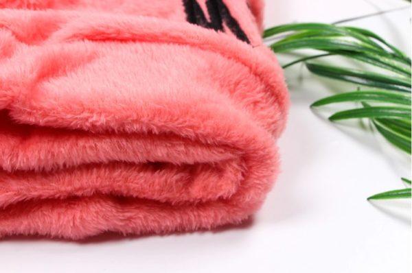 Dámský příjemný plyšový pyžamový set s oušky na kapuci