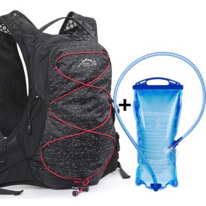 Velkokapacitní sportovní batoh s dávkovačem vody v měchýři