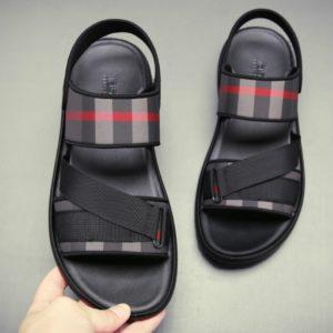 Moderní dámské pantofle Luxurys