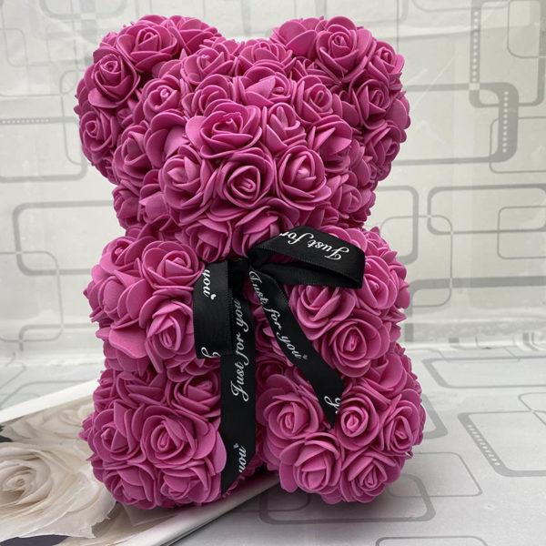 Valentýnský medvídek z růží