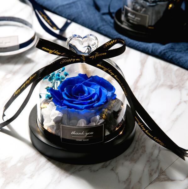 Sušená růže ve skle