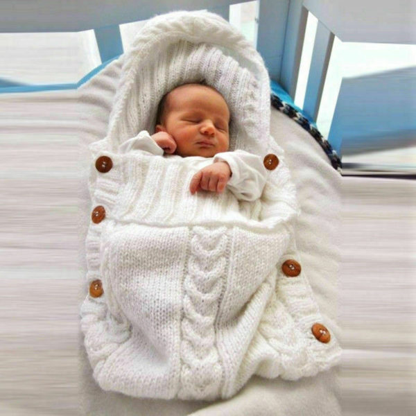 Pletený vak s knoflíky pro miminko
