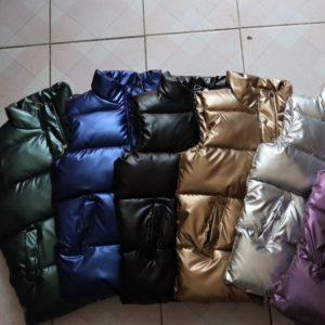 Dámská vesta v metalických barvách