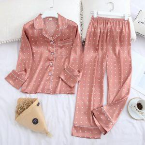 Dámské hedvábné košilové pyžamo