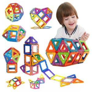 Magnetická stavebnice z geometrických tvarů