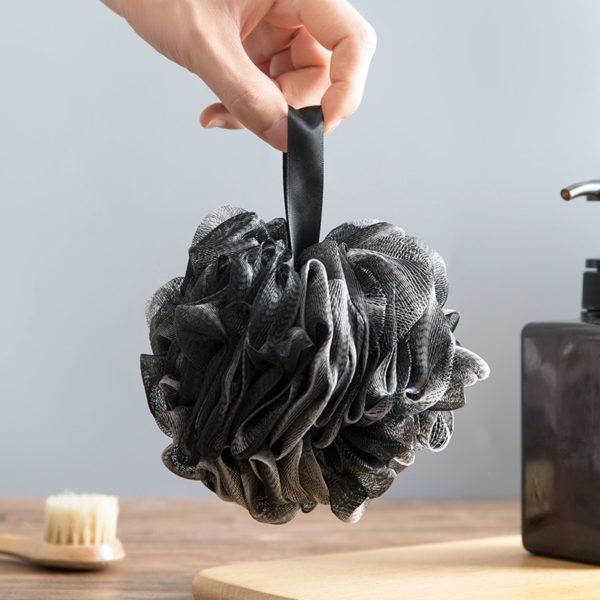Měkká minimalistická houba do koupele