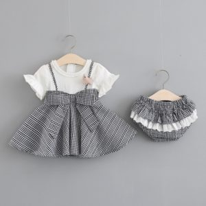 Nádherné dívčí jarní tílkové šaty s trikem