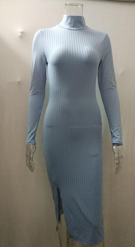 Elegantní dámské bavlněné šaty s rolákem a sexy rozparkem
