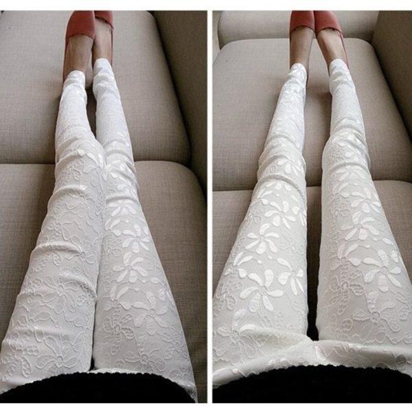 Dámské kalhoty s květinovým vzorem