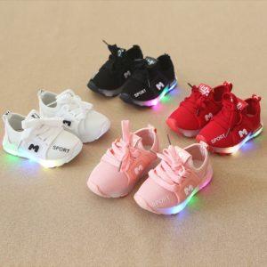 Dětské LED svítící boty v různých barvách