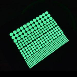 Samolepící tečky svítící ve tmě - 400 kusů