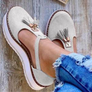 Dámské jarní sandálky se střapci