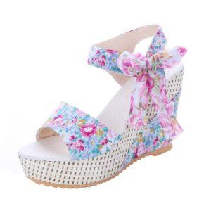 Dámské letní sandály na klínku zdobené květiny a vázanou mašlí