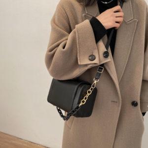 Dámská módní kabelka přes rameno s masivním řetězem